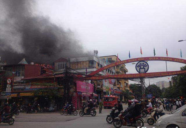 Hiện trường đám cháy tại khu vực Thanh Xuân Bắc. (Ảnh: PV/Vietnam+)