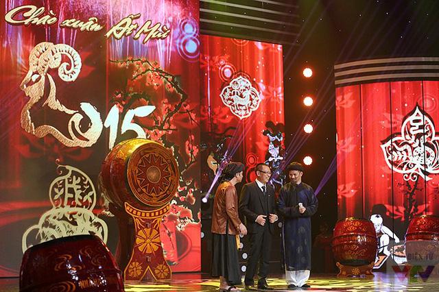 MC - Nhà báo Lại Văn Sâm và hai diễn viên Xuân Bắc, Tự Long tiếp tục đồng hành trong vai trò dẫn dắt chương trình 12 Con giáp.