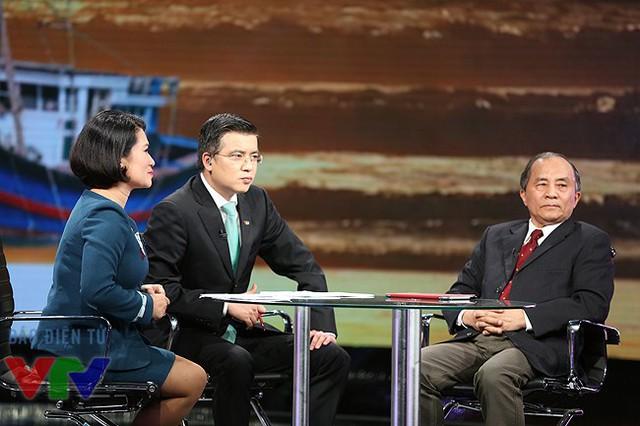 BTV Thu Hà và Quang Minh là một trong 3 người dẫn của Dấu ấn 2014.
