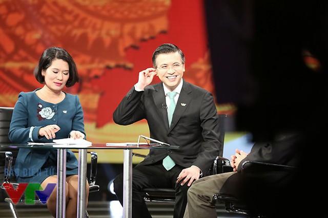 BTV Thu Hà và Quang Minh là những người dẫn dắt của chương trình Dấu ấn 2014.