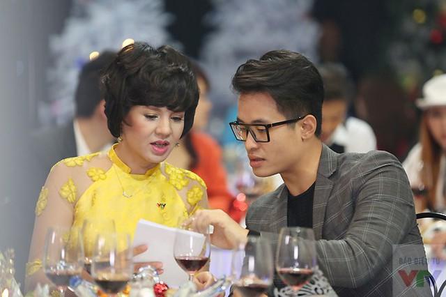 MC Diễm Quỳnh và nam ca sĩ Hà Anh Tuấn.