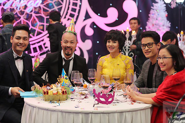 MC Phan Anh, NTK Đức Hùng, MC Diễm Quỳnh và ca sĩ Hà Anh Tuấn.