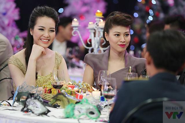 Thụy Vân và Ngọc Trinh - hai BTV quen thuộc của Chuyển động 24h, chương trình mới lên sóng của VTV trong năm 2014.