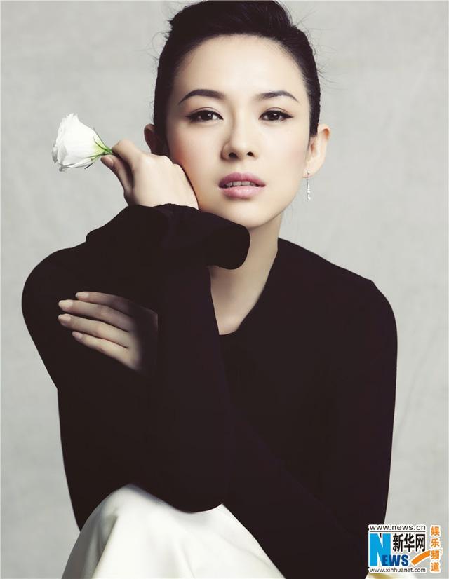 May mắn trong tình yêu cũng một lần nữa đến với Chương Tử Di. Cặp đôi Tử Di - Uông Phong, ngôi sao nhạc rock đình đám của Trung Quốc đang nhận được sự ủng hộ của người hâm mộ.