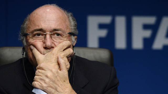 ông Sepp Blatter từ chức khi FIFA đang lâm vào một cuộc khủng hoảng chưa từng có trong lịch sử