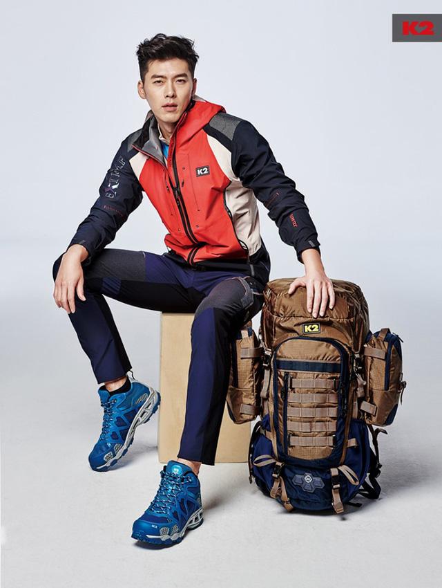 Xuất hiện trong BST Xuân/Hè 2015 của nhãn hàng thể thao K2, Hyun Bin gây ấn tượng với gương mặt điển trai và vóc dáng hoàn hảo