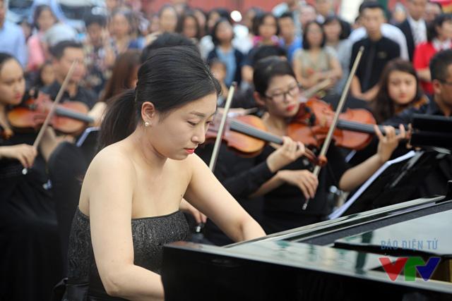 cùng nghệ sĩ piano nổi tiếng đến từ Hàn Quốc – Boomi Jang.