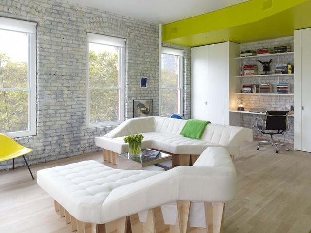 Dễ dàng nhận thấy, trắng và vàng chanh là hai tông màu chủ đạo trong nội thất căn hộ