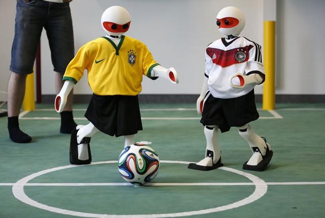 Robot được lập trình trước mỗi trận đấu