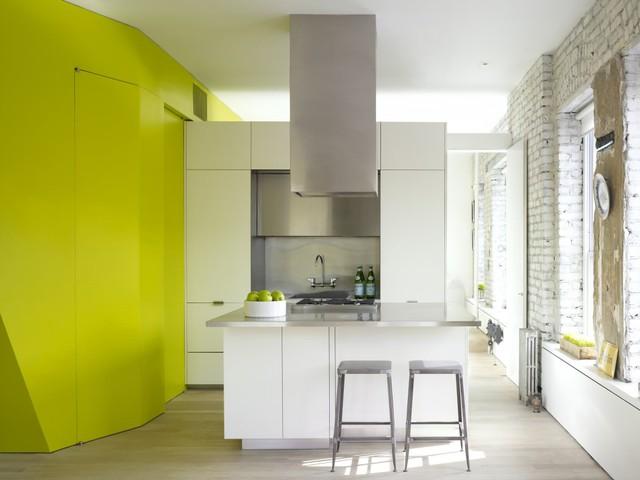 Gian bếp được thiết kế đơn giản nhưng vẫn đầy đủ tiện nghi
