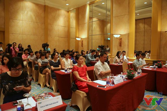 Chiều nay (10/8), buổi họp báo ra mắt phần mới nhất của series phim Cảnh sát hình sự mang tên Câu hỏi số 5 đã diễn ra tại khách sạn Daewoo, Hà Nội với sự góp mặt của đoàn làm phim cùng đại diện các cơ quan báo chí.