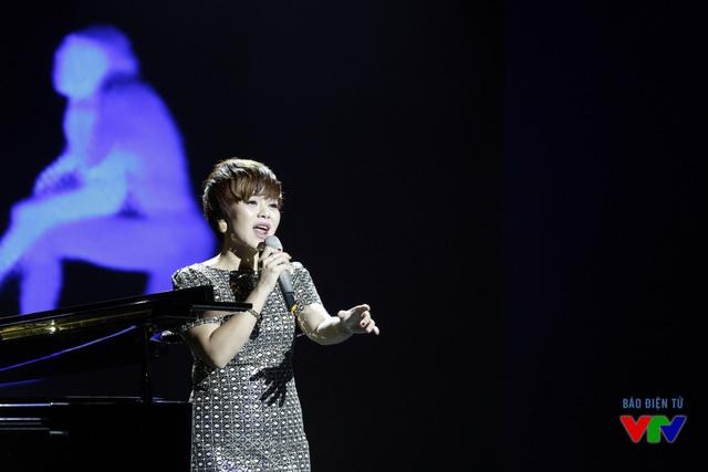 Hải Yến Idol trình bày ca khúc Đã hơn một lần - một sáng tác của nhạc sĩ Tăng Nhật Tuệ