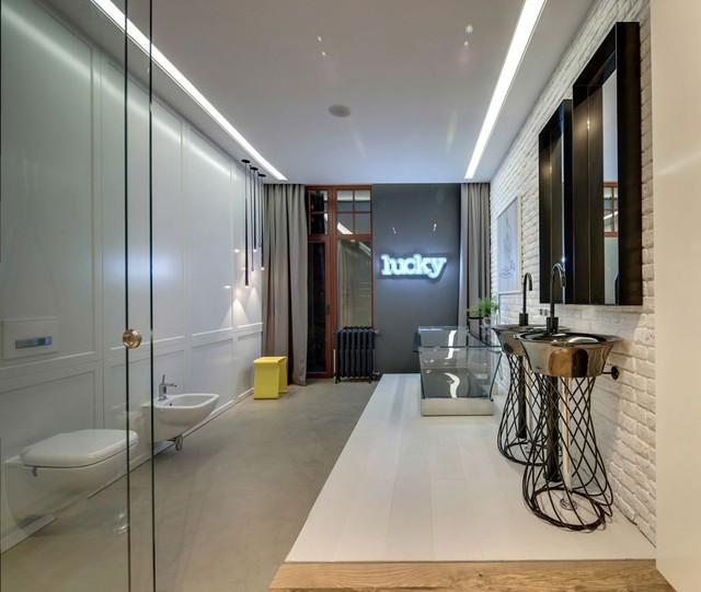 Phòng tắm được nối liền với phòng thay đồ
