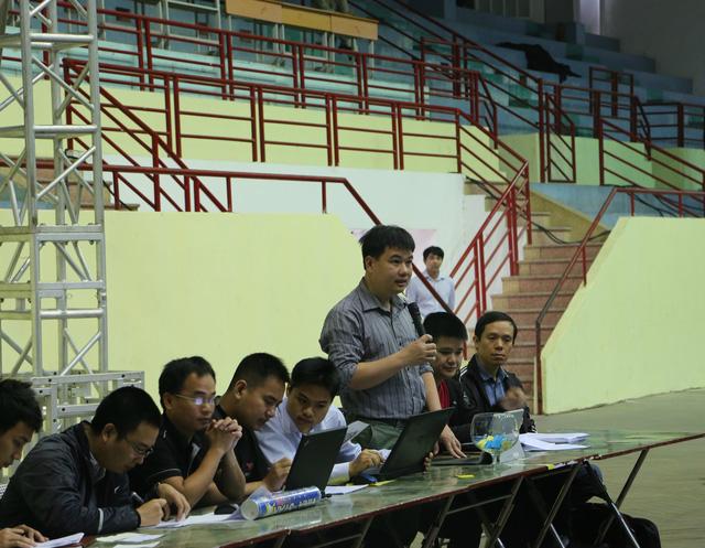 Ban Tổ chức phổ biến lại luật thi đấu của cuộc thi Robocon Việt Nam 2015