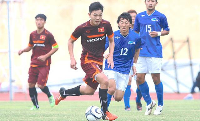 Xuân Trường (áo đỏ) và các đồng đội sẽ có thêm trận đấu nhiều thử thách trước Cerezo Osaka