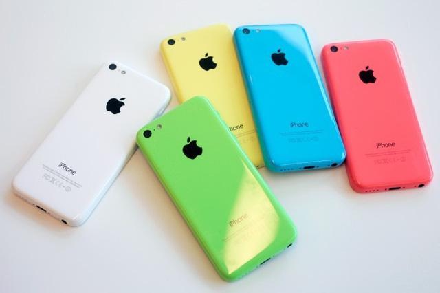 iPhone 5C được ưa chuộng vì mức giá mềm và nhiều màu sắc. (Ảnh: Zing)