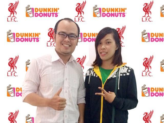 Bạn Nguyễn Thị Diệu Thu là người nhận được tấm vé tham gia hành trình tháng 7 này cùng Dunkin' Donuts tại Kuala Lumpur. (Ảnh: Zing)