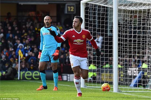 Depay thi đấu nổi bật trong trận thắng Watford
