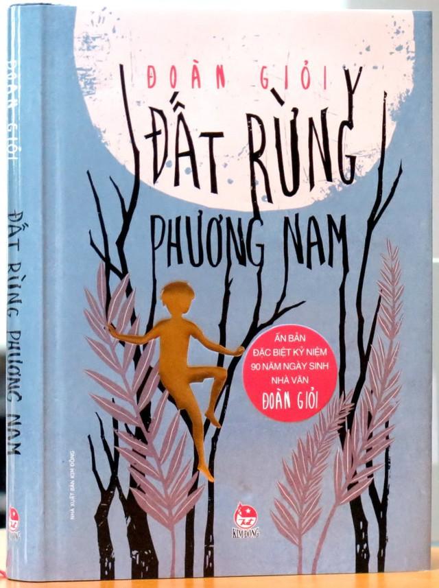 Sách vừa in xong với giá bìa 90.000 đồng như một cách ghi dấu sự kiện tròn 90 năm ngày sinh của nhà văn - Ảnh: L.Điền