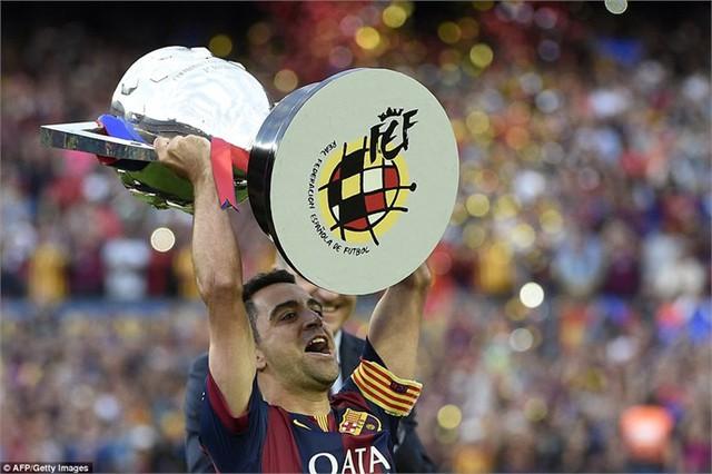 Xavi nâng cao chức vô địch La Liga thứ 23 trong lịch sử Barcelona