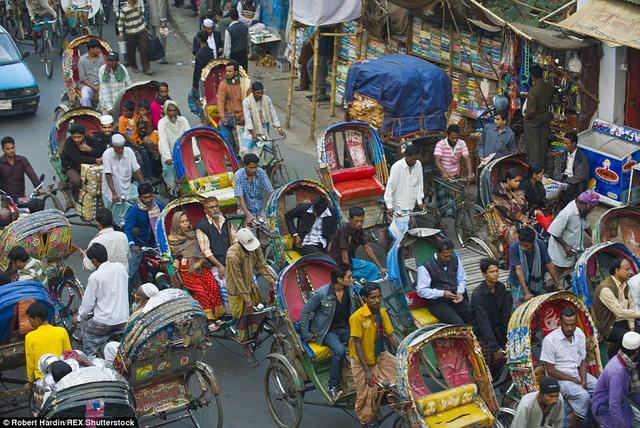 Hình ảnh chụp tại đường Dhaka, Bangladesh.