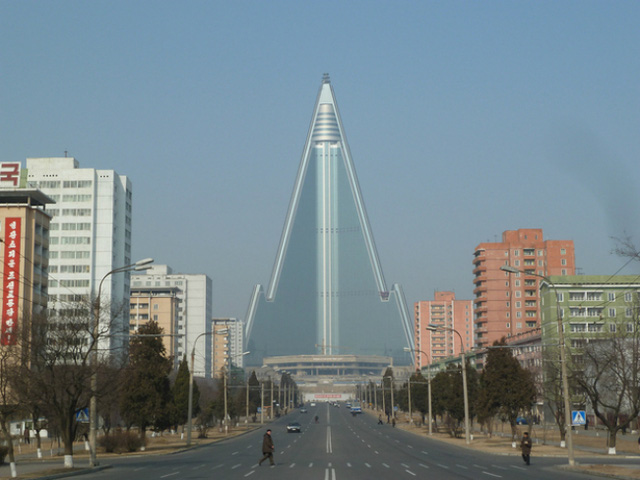 Khách sạn Liễu Kinh ở Bình Nhưỡng (Triều Tiên) không chỉ được biết đến bởi kiến trúc hình tháp hiện đại mà còn là một trong những tòa nhà chọc trời cao nhất thế giới.
