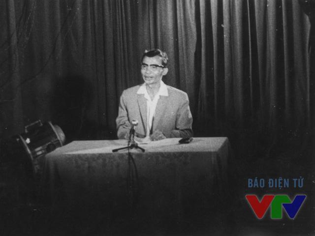 Tổng biên tập Trần Lâm phát biểu trong buổi ra mắt chương trình phát sóng đầu tiên của Đài Truyền hình Việt Nam.