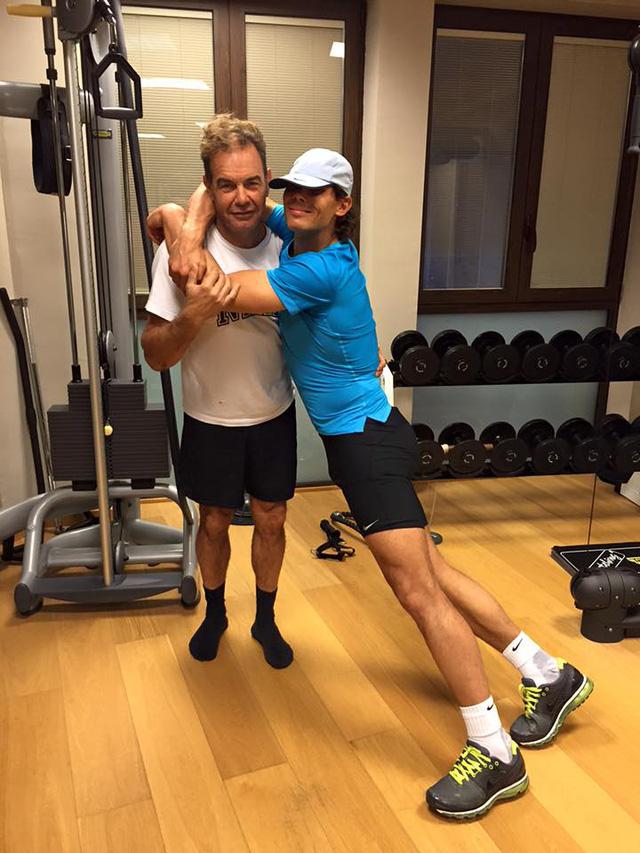 Trong khi đó, Nadal vẫn dành thời gian để tập luyện bất chấp kỳ nghỉ Giáng sinh