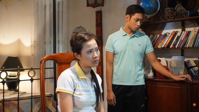 Mạnh Hưng và Quỳnh Hoa trong một cảnh quay.