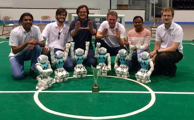 Đội bóng robot vô địch giải RoboCup Mỹ mở rộng 2015