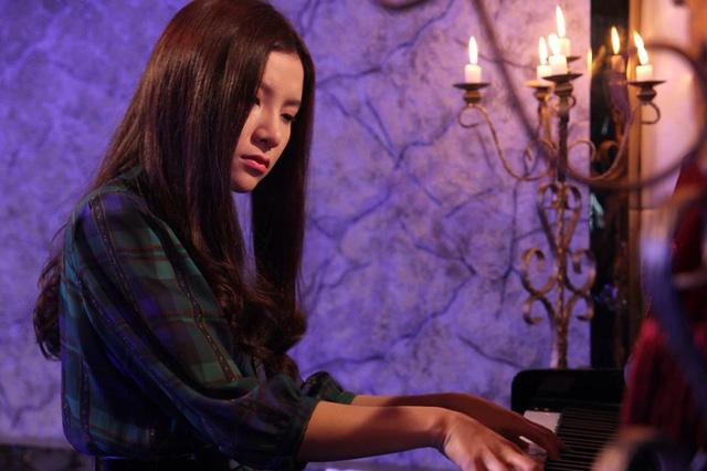 Hạnh Sino đảm nhận vai nữ chính của phim.