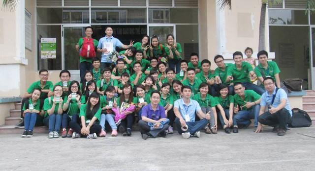 Các tình nguyện viên tại vòng loại cuộc thi Robocon Việt Nam 2015 (Nguồn ảnh: Internet)