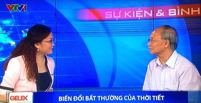 GS-TS Nguyễn Đức Ngữ và người dẫn chương trình - Nhà báo Xuân Dung.