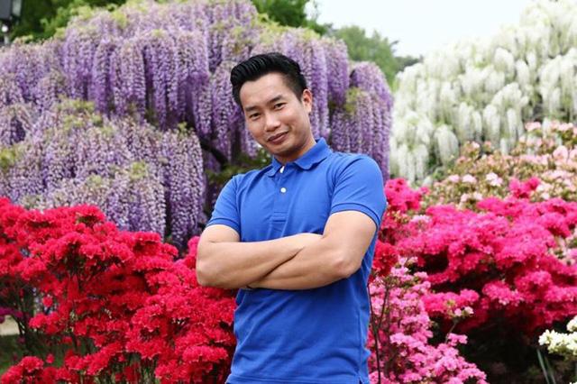 BTV Hoa Thanh Tùng từng được khán giả biết đến trong vai trò MC của chương trình như Hành trình văn hóa, Từ ánh mắt tới trái tim, Những chuyện lạ Việt Nam...