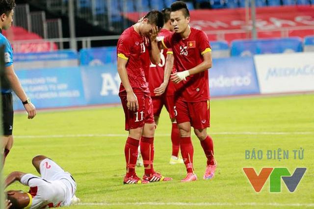 U23 Việt Nam cũng cần phải giữ chân, tránh những thẻ phạt đáng tiếc trong trận gặp U23 Thái Lan.