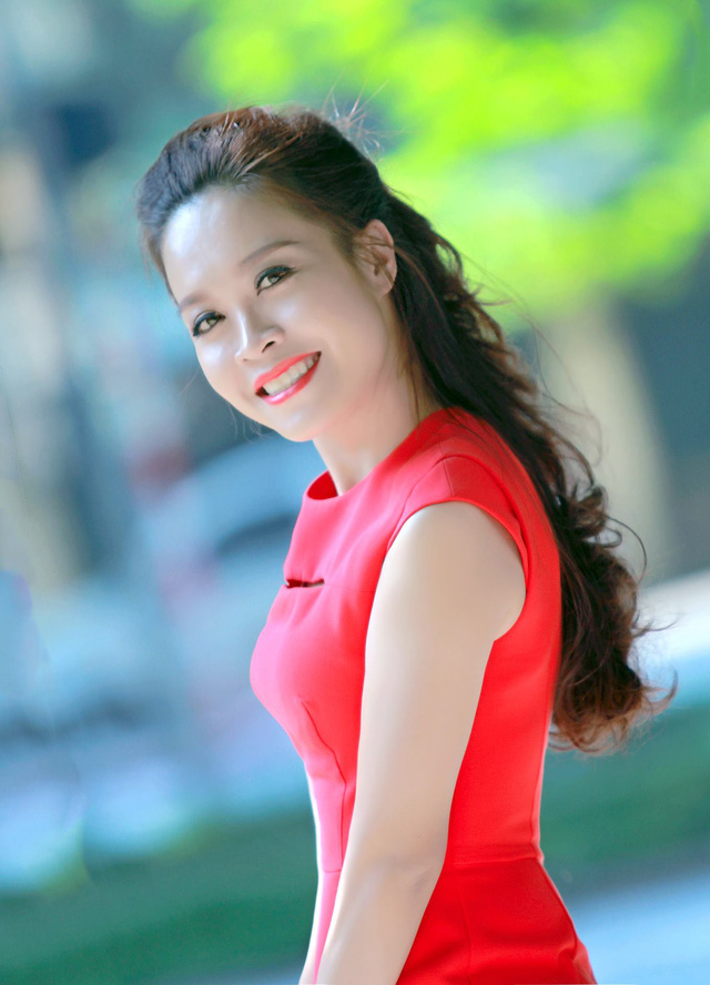 MC Hoàng Trang là gương mặt từng dẫn nhiều chương trình khác nhau trên kênh VTV1 và VTV3 như: Ký ức thời gian, Tạp chí Phụ nữ, Thị trường 24h, Điểm hẹn văn hóa, Lựa chọn cuối tuần, Gõ cửa ngày mới, Chiều cuối năm và hiện tại là Cuộc sống thường ngày.