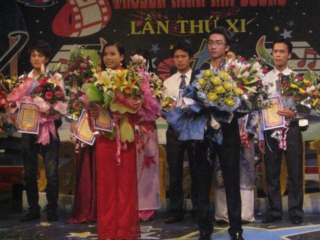 Sau thật bại tại Sao mai, Tiến Hưng đã thử sức mình với nhiều cuộc thi âm nhạc khác.