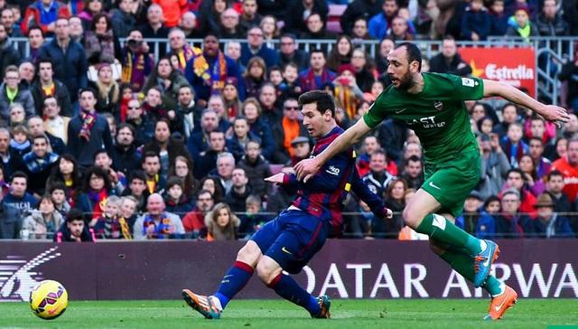 Barcelona 5-0 Levante: MSN tỏa sáng còn Messi tiếp tục lập hat-trick dễ dàng.