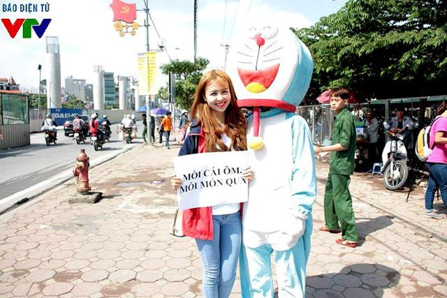 Tham gia cùng Bảo Ngọc trong Ôm tôi đi lần này còn có Nguyễn Huyền Giang - Á khôi 1 cuộc thi Imiss Thăng Long 2015