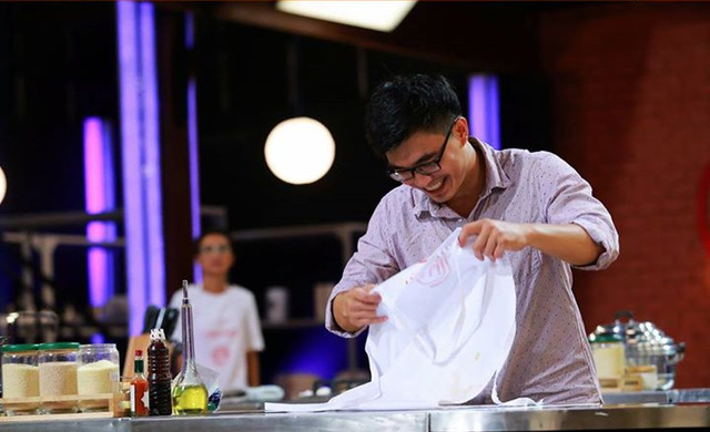 Quang Đạt mỉm cười rời chương trình ở top 3.