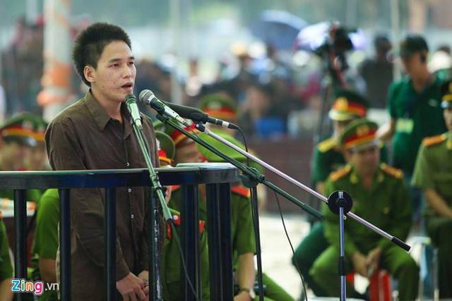 Bị cáo Trần Đình Thoại ở phiên tòa (Ảnh: Zing News)