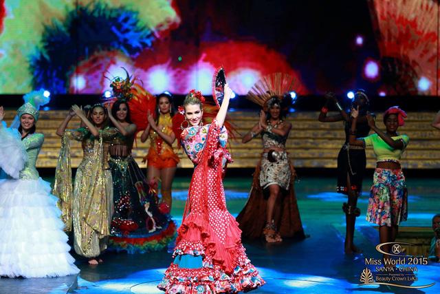 Đại diện Tây Ban Nha với điệu Flamenco.
