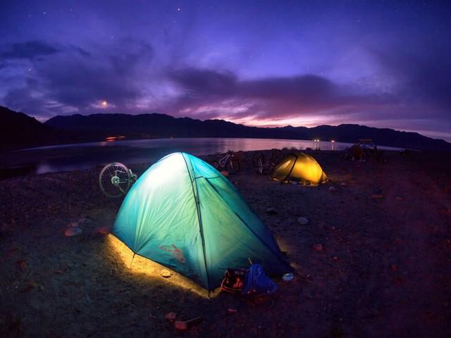 Qua đêm ở lều trại để ngắm sao trời