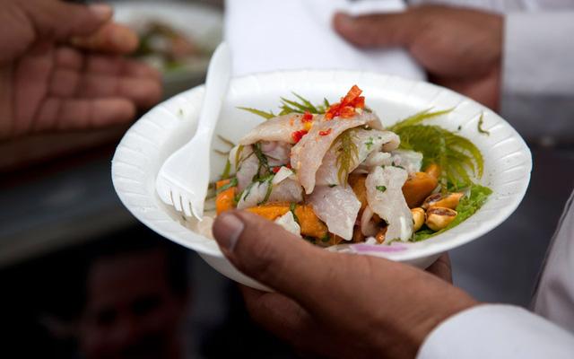 Lima (Peru) nổi tiếng với các món hải sản phong phú, trong đó tiêu biểu là món cechive làm từ tôm hoặc cá.