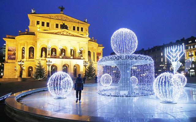 Frankfurt, Đức không kém phần tưng bừng chào đón Giáng sinh.