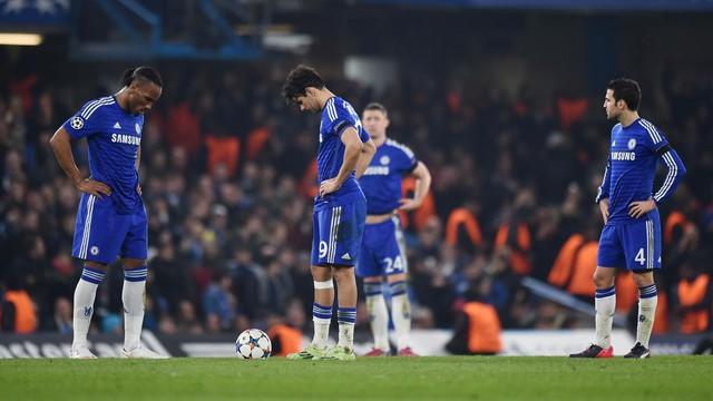 Dù thống trị giải Ngoại hạng Anh song Chelseabij loại ngay ở vòng 1/16 Champions League