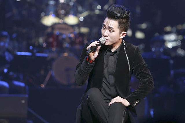 Tùng Dương tham gia Du ca Việt tuần này với chủ đề Dòng chảy.