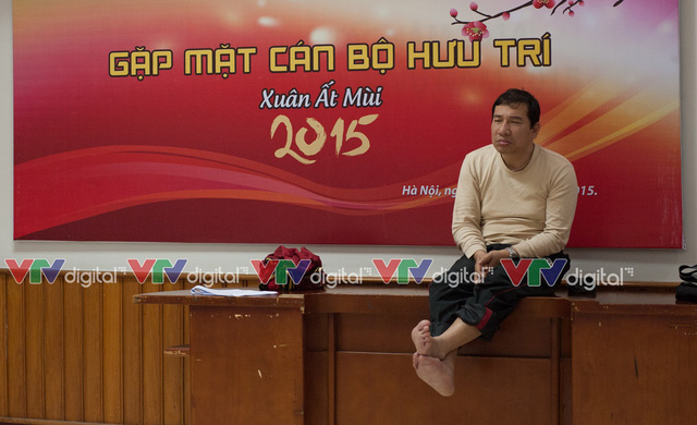 Các phóng viên đã bắt gặp cảnh nghệ sỹ Quang Thắng gà gật trong quá trình tập luyện