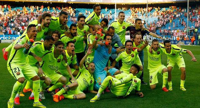 Truất ngôi vương của Atletico bằng chiến thắng tối thiêu, cũng là nhát dao kết liễu hi vọng vô địch của Real, Barca lên ngôi sớm trước 1 vòng đấu.