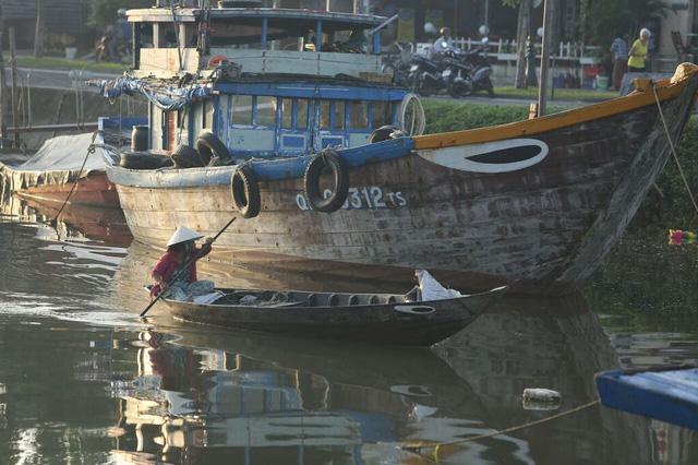 Những ngư dân trên dòng sông Thu Bồn